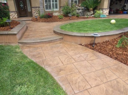 a picture of a stamped concrete backyard in sacramento, ca